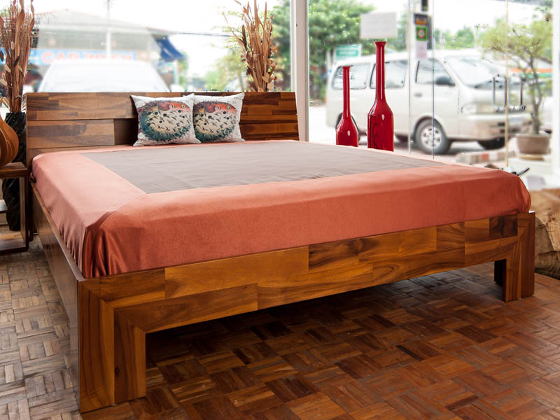 ACACIA Bed in Wood