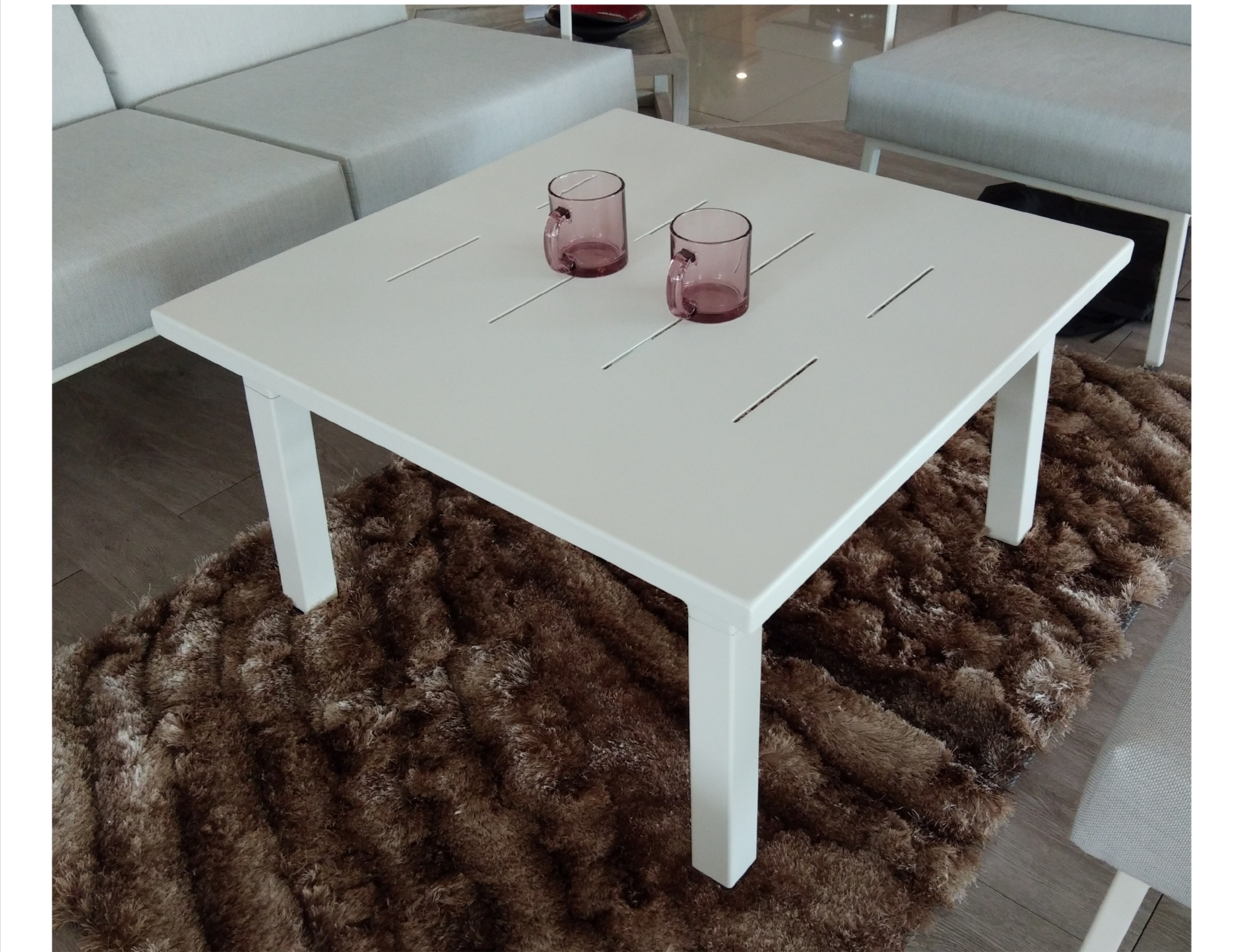 IMPRESSION COFFEE TABLE